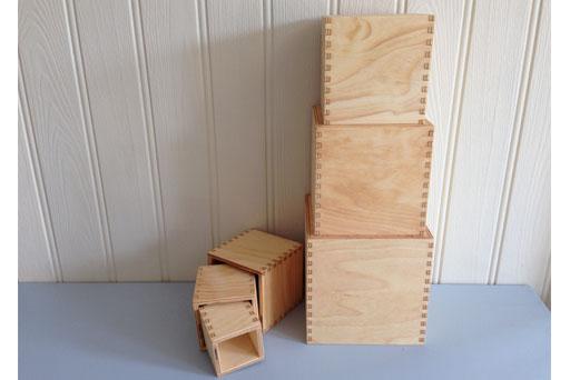 Large plain boxes G10380