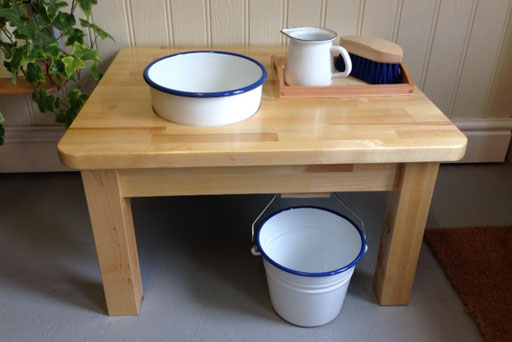 wash table white with blue rim PL0007WE