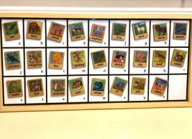 Magnet board with animals