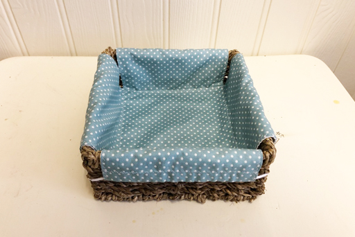 Basket medium lined basket